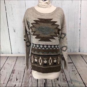 🆕 American Eagle Southwest Design Sweater Size M